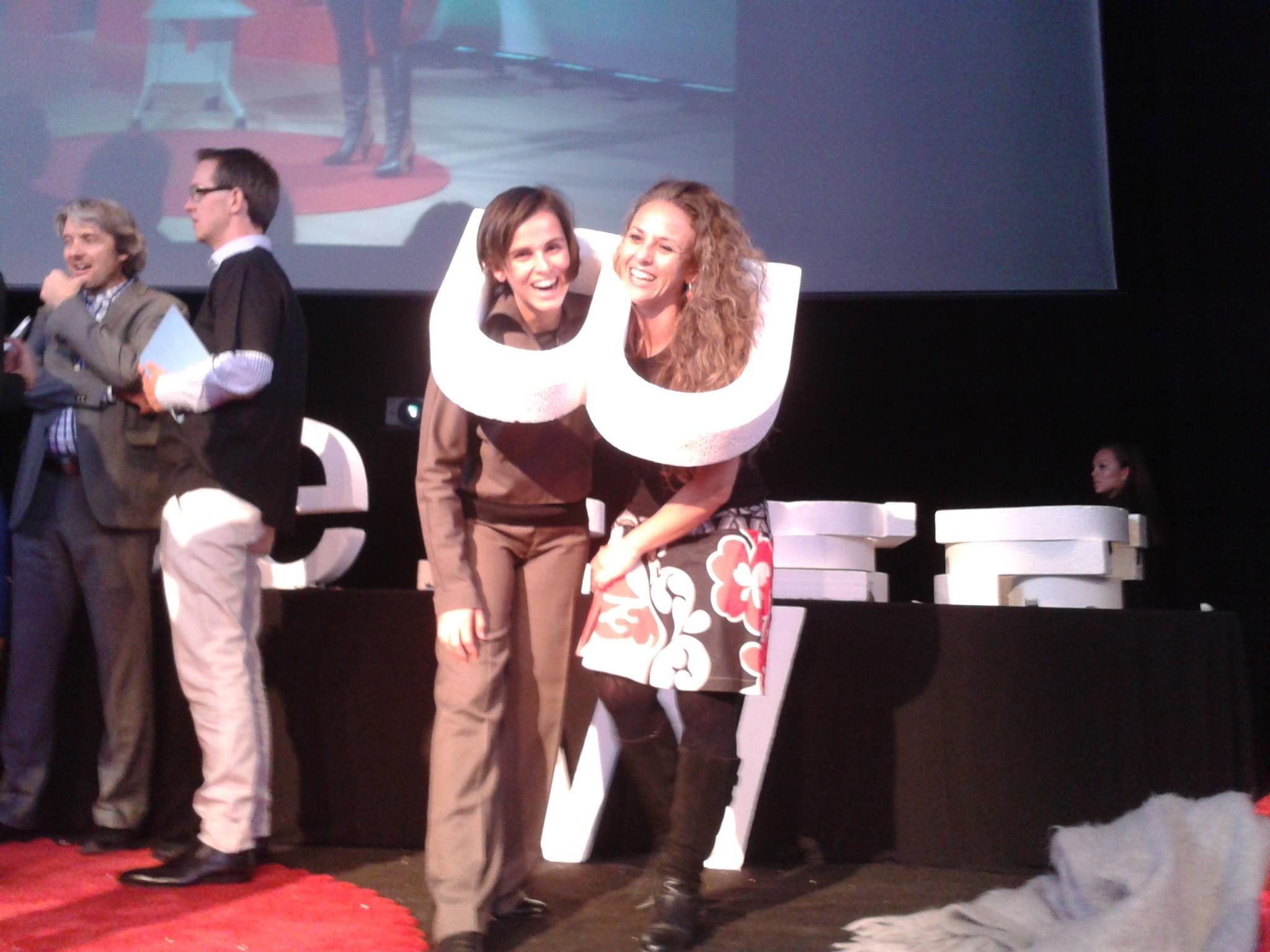 Sheila y Raquel Emotional Tuner en el TEDxBCNWomen