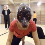 """Raquel Caballero con una máscara de la Comedia dell'Arte """"El Capitano"""""""